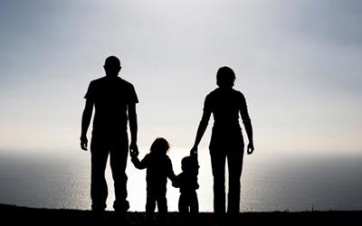 parinti-si-copii-in-cadrul-unei-familii