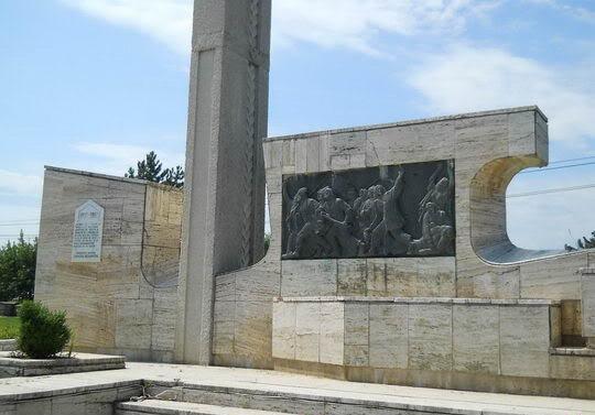 monument_1907