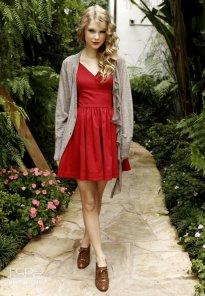 Taylor-Swift-taylor-swift-16433057-1768-2560