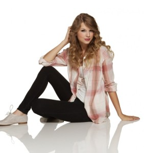 Taylor-Swift-taylor-swift-27822649-600-641
