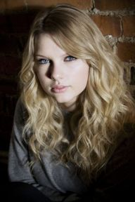 Taylor-swift-taylor-swift-27847785-660-990
